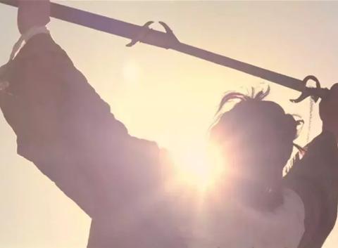 韩寒与郭敬明:无论是叛逆的,还是谄媚的,最后都归顺了时代