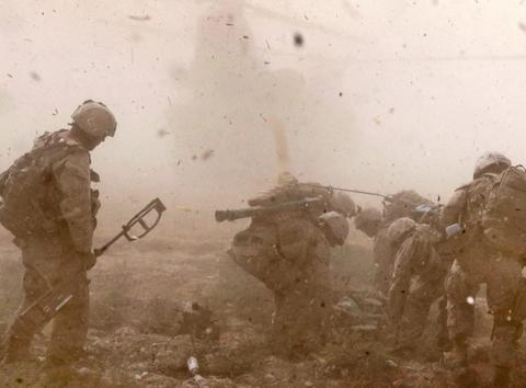 美军提前通知撤离5400人,俄军机会来了,建多国联军将抢占阿富汗