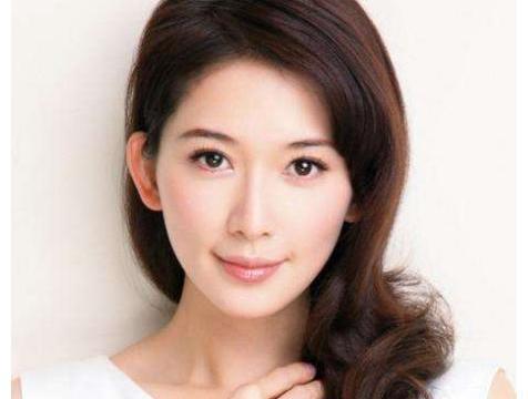 44岁林志玲被央视除名后,做客日本综艺,造型像日本人被主持夸赞