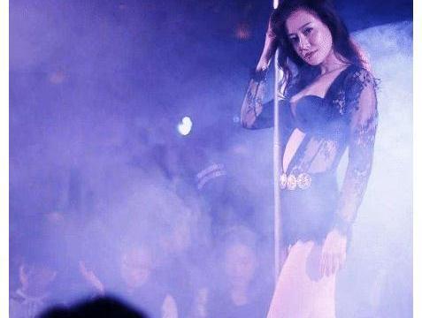 从《泰囧》中的陶虹,到《药神》里的谭卓,徐峥眼中只有一种女主