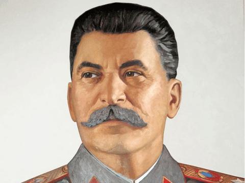 俄国的一位将军,对临时政府感到失望而选择革命,失败被秘密处决