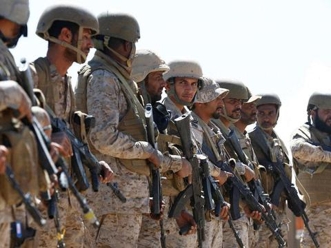 6000沙特士兵漫山遍野的跑,伊盟友4小时抓捕1500人,这是打仗?