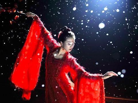 刘诗诗童年练芭蕾,脚尖手指超轻盈,吴奇隆老婆正气凛然!