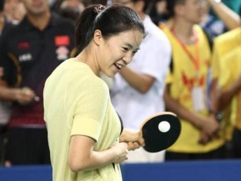 相比伏明霞与郭晶晶的豪门生活,她才算是人生最大的赢家
