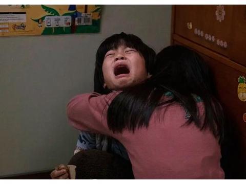 看完《小委托人》之后真的很气愤,家庭暴力的危害无法想象!