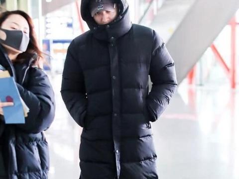 """金瀚是娱乐圈最怕冷的?裹成""""天线宝宝""""出门,怂也没办法!"""