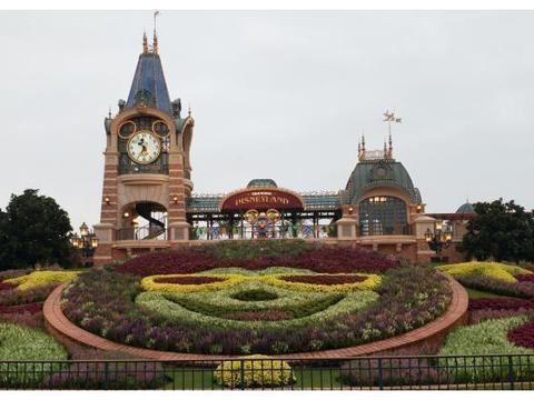 上海迪士尼进行两个方面规则调整:翻包被取消,食物也可游客自带