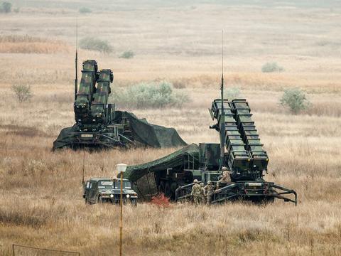 """蓬佩奥说,美国制造了世界上""""最好的""""防空系统,但有时它不管用"""