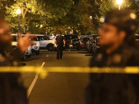 华盛顿连发两起枪击案已致1死8伤 嫌犯在逃、疑似驾车经过时作案
