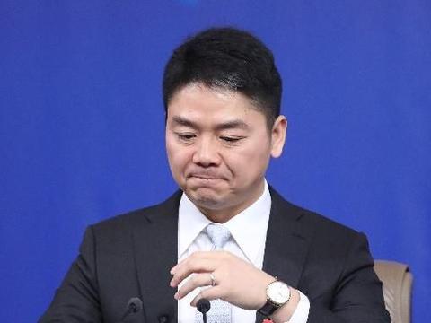 刘强东涉嫌性侵案:警察随身录像机捕捉重要证据