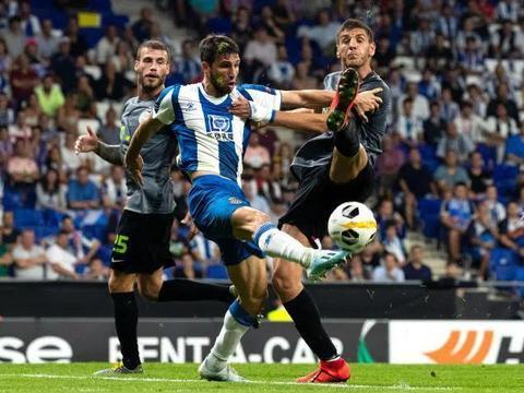 加耶戈为武磊鼓掌,哈维洛佩斯踢进乌龙球,武磊多次向队友招手
