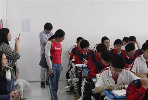 广东省惠州市教育同仁走进河北枣强中学