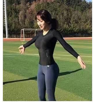 韩国最美体育老师-简直美了