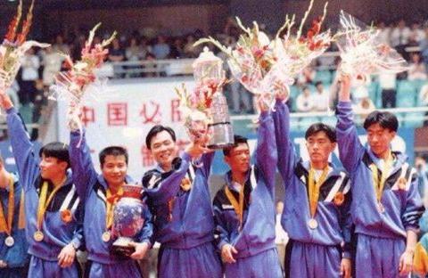 愧对国乒?中国男乒颁奖全程不见蔡振华,昔日弟子因他被迫辞职