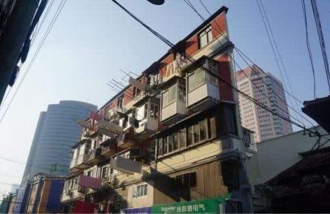 上海20厘米纸片楼,登上英国《每日邮报》,这样的建筑敢入住吗