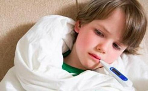 宝宝发烧,这么处理会让病情愈发严重,妈妈们要注意