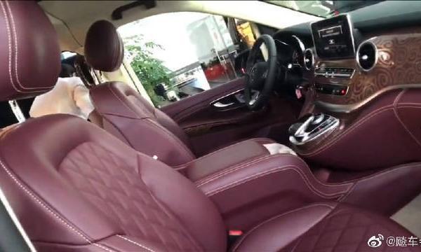 视频:奔驰v260高顶不隔断尊龙版商务车,奔驰v260视频鉴赏