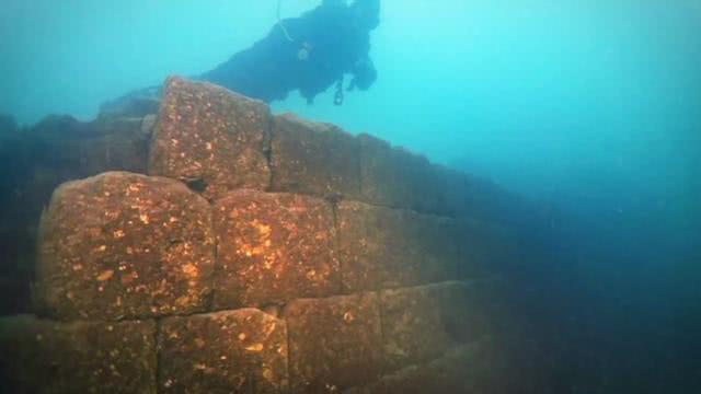 世界上的海底深处,发现很多神秘事物,每一个都令人匪夷所思