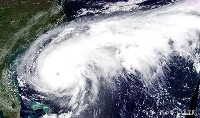 """宛如巨兽!卫星图像显示:3级飓风温贝托""""风眼""""被雷暴环绕"""