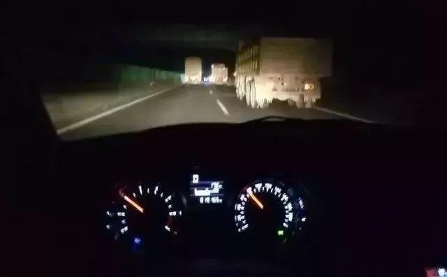 夜间行车视线不好风险加倍,这些安全技巧须注意!