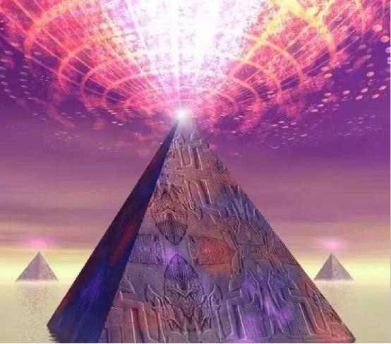 为什么金字塔禁止攀爬?其中谜团被外国小哥解开,值得警示后人