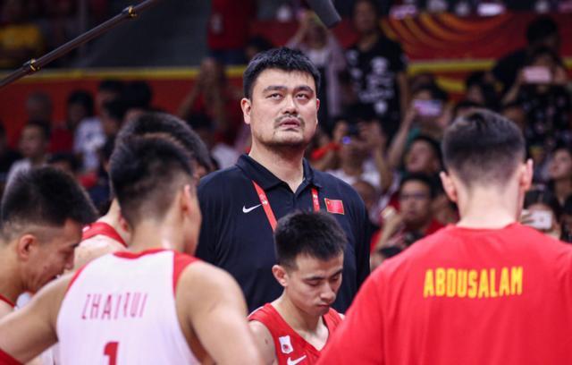 中国男篮获得奥运会落选赛资格,可球迷呼吁易建联别去了?