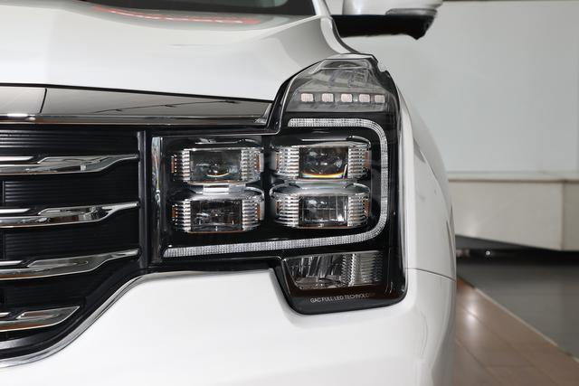 国产超霸气中型SUV,不到16万即可落地