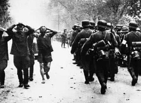 二战中苏联士兵被俘后有多无奈?既不能投降,逃回国还要被惩罚