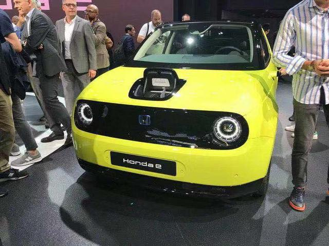 本田e小巧可爱,具有未来科幻感觉的新能源汽车,能否引进中国?
