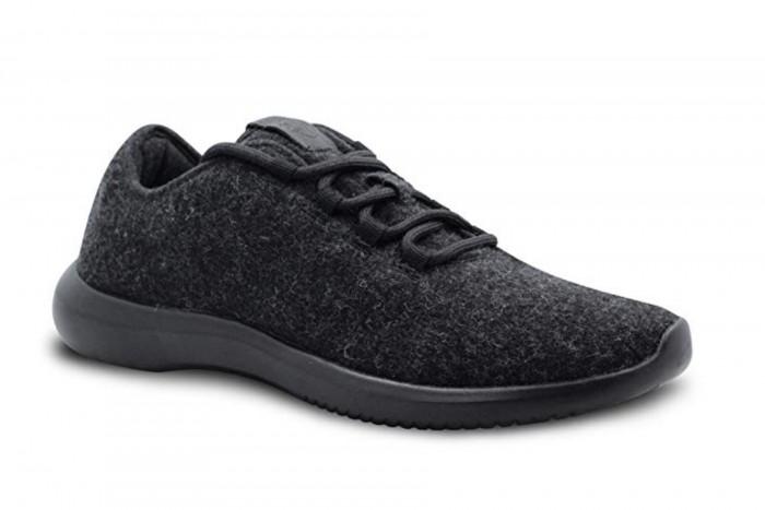 亚马逊自主品牌被指抄袭别家鞋子设计
