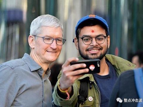 """库克终于开窍了:iPhone11不惜沦为""""廉价机"""",大受市场欢迎"""