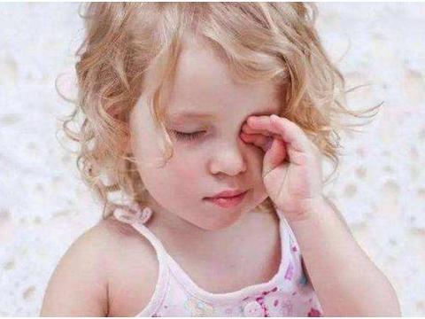 幼儿为什么喜欢挖鼻孔、揉眼睛、含手指?这4类原因父母要早知道