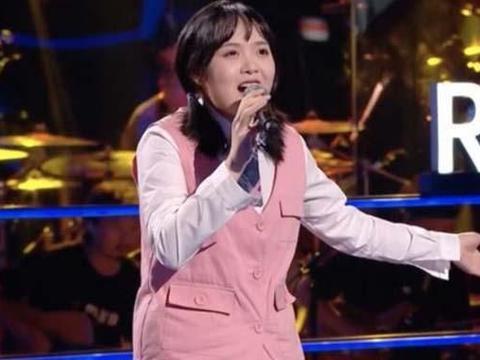 好声音:不愧是李荣浩最宠爱的女学员,连唱3首口水歌,依旧晋级