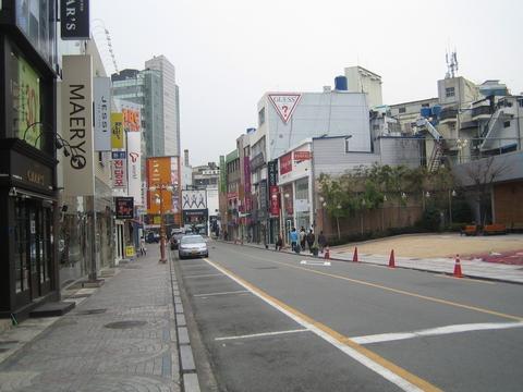 英国人评价亚洲街道:韩国整洁,泰国混乱,中国则是这四个字!