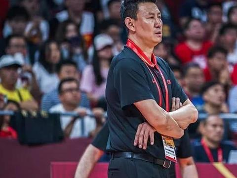 苏群:李楠没有理顺教练组主次关系 男篮应共同承担责任