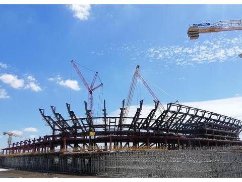 中国速度!最新图片:上港专业足球场已现漂亮外形
