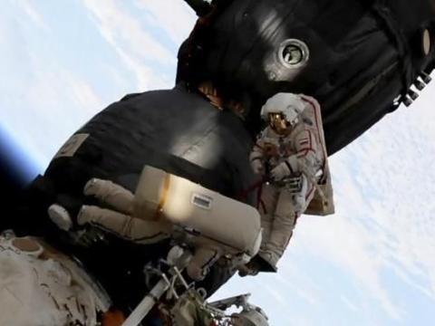 宇宙空间站中的俄罗斯飞船,又被发现破了洞…