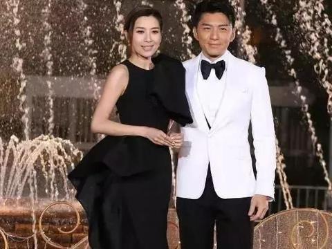 """TVB颁奖礼最劲爆消息,现场被""""硬塞""""狗粮,萧正楠公布婚讯!"""