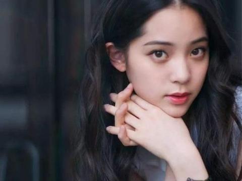 《人物》评选中国演技最烂TOP10,女神刘亦菲上榜,榜首竟才18岁