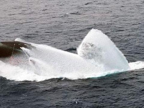核潜艇在水下最久可以潜多久?