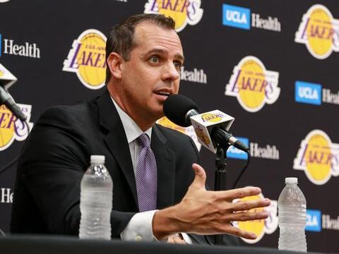 沃格尔:现在的NBA无法长时间安排传统护筐中锋在场