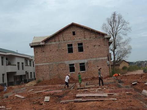 农村征地拆房,若按人数给钱,独生子女有没有额外补偿?