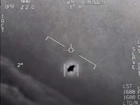 美海军首次证实UFO照片,驾驶员非地球人类,白宫曾下令不许外泄
