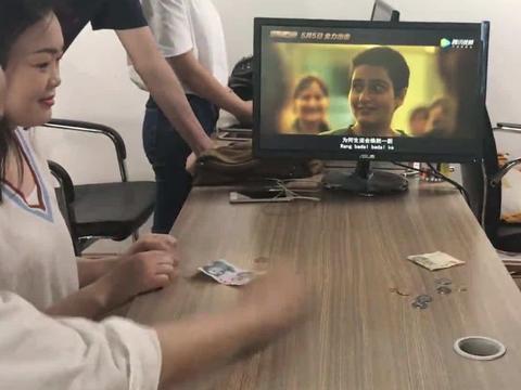 模仿网红视频炸伤,13岁女童面临巨额医疗费,办公室小野认责掏钱