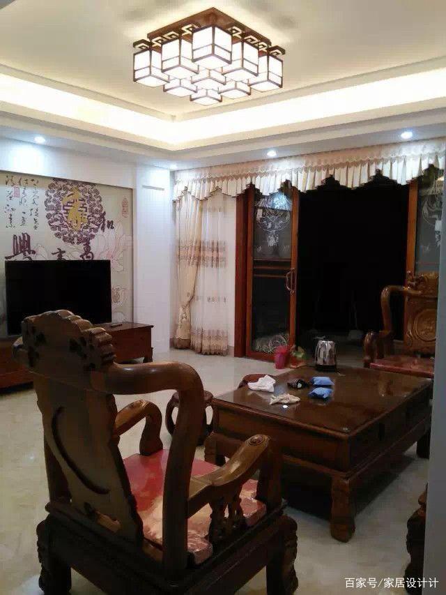 新中式风格的新房入住后,温馨舒适,却被朋友吐槽太老气