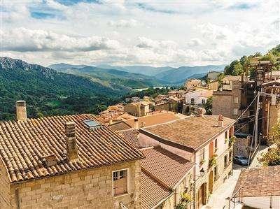 意大利有个小镇花一欧元就能买一套房子,买房的梦想能分分钟实现