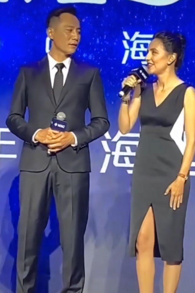 """安娜穿""""围棋裙""""亮相,刘烨成盯妻狂魔,网友:她比谢娜强多"""