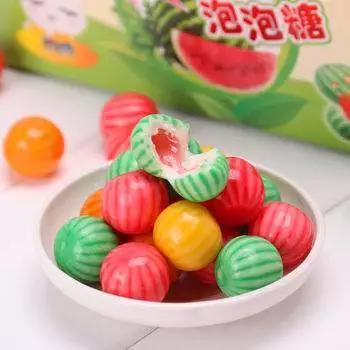 误吞口香糖会粘住肠胃吗?不会,但是有4点危害并不适合孩子吃