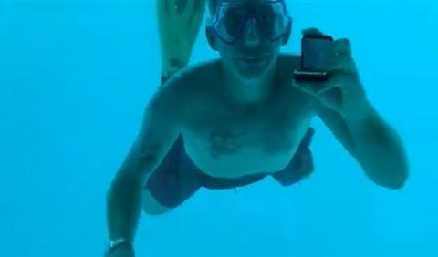 """悲剧!美国男子水下浪漫求婚,没等到""""我愿意""""却先溺亡"""