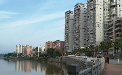 广东资源储量最大的城市:曾任2年省会,景色独特却沦为四线小城